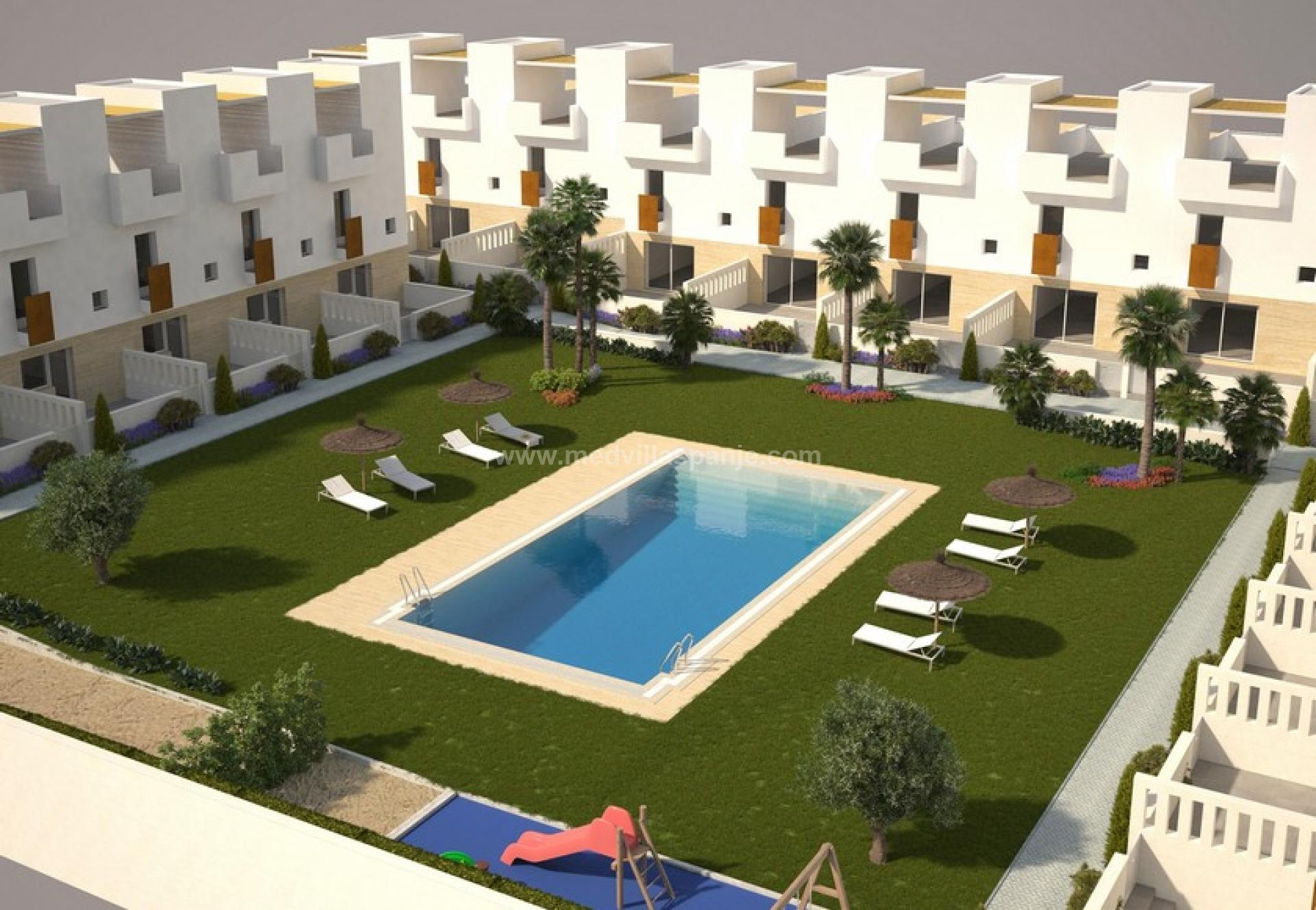 Houses For sale Torrevieja at 150 m from the Sea in Medvilla Spanje