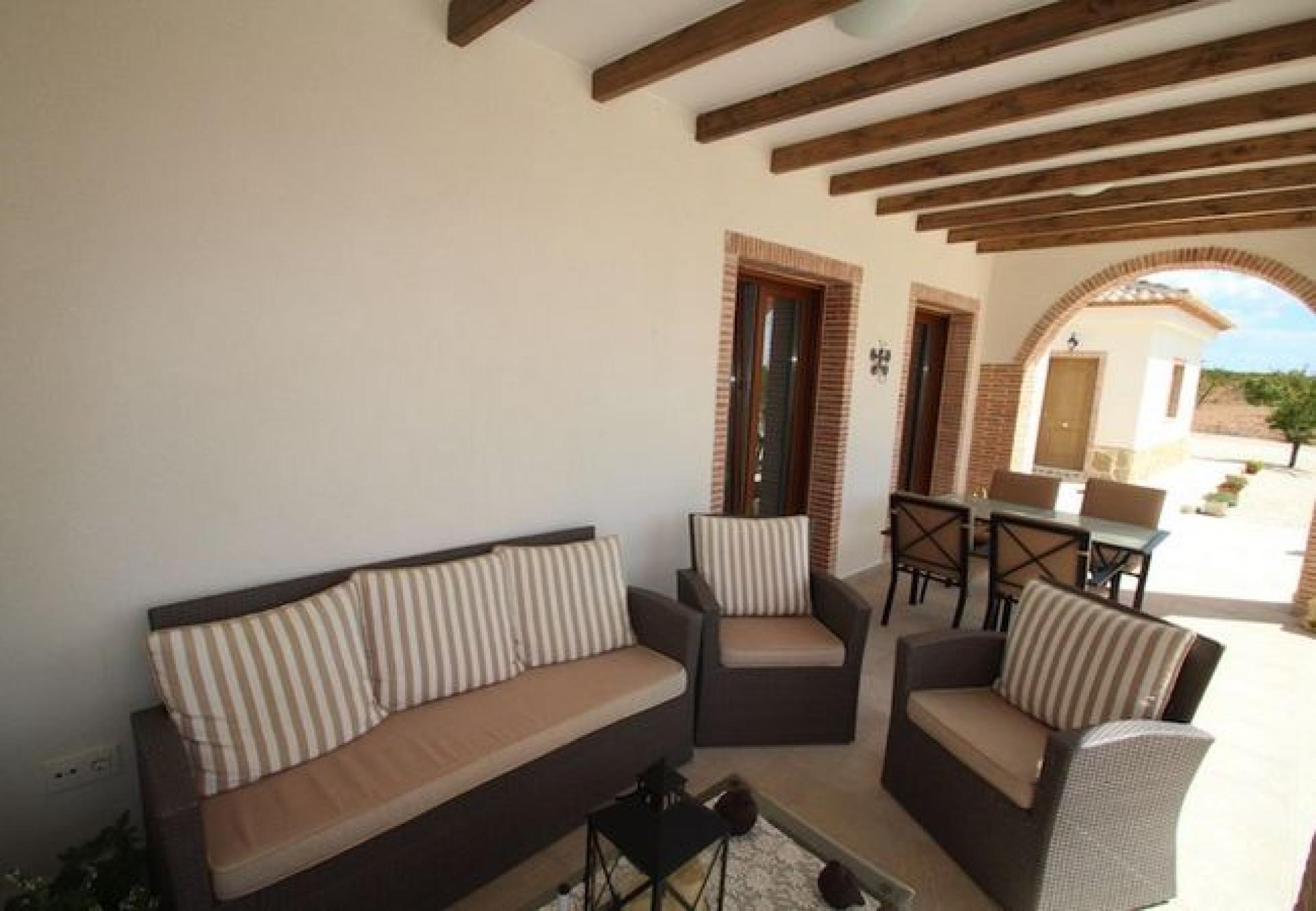 New build off-plan villa in Costa Blanca in Medvilla Spanje