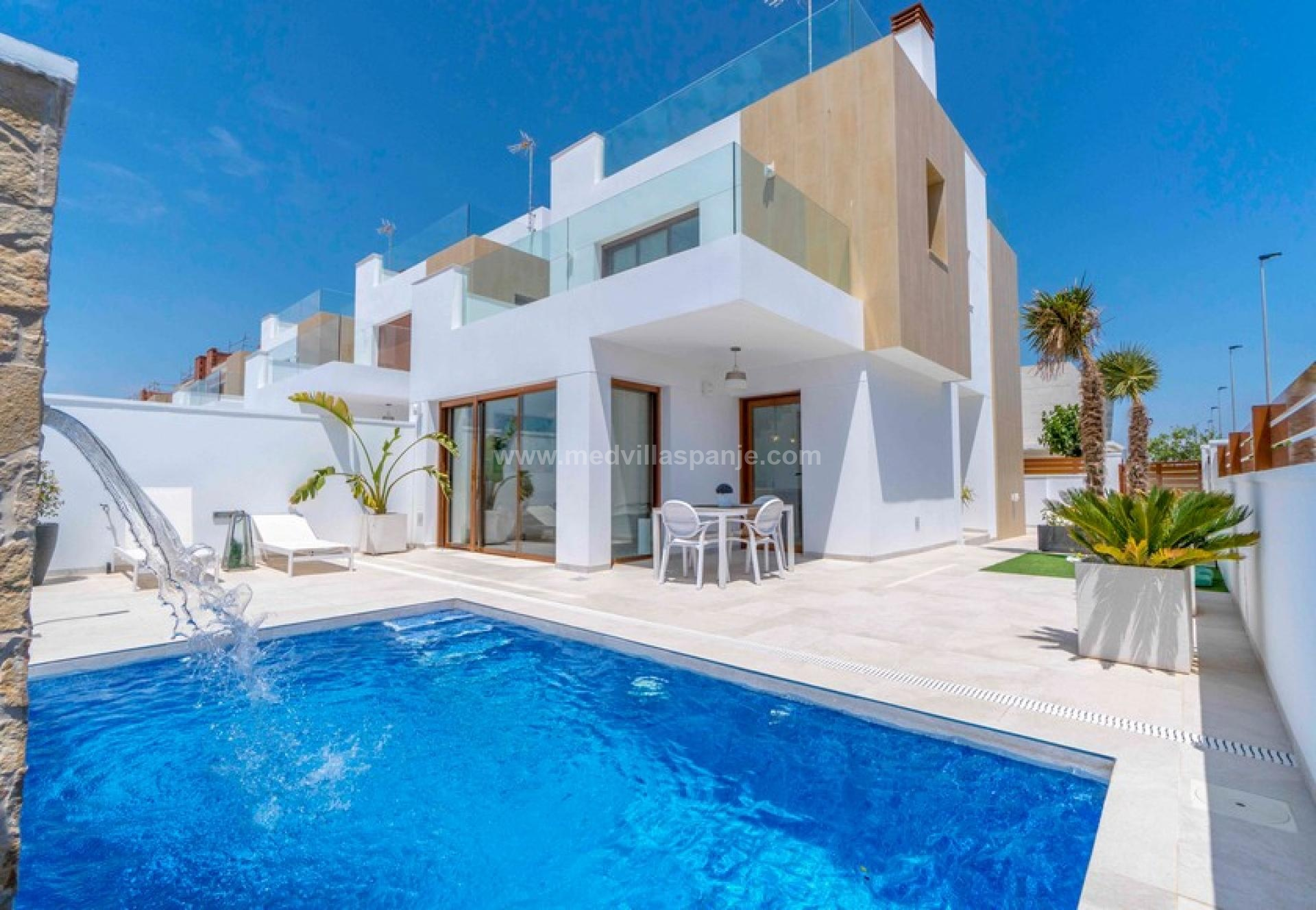 3 bedroom Villa in Torre de la Horadada - New build in Medvilla Spanje