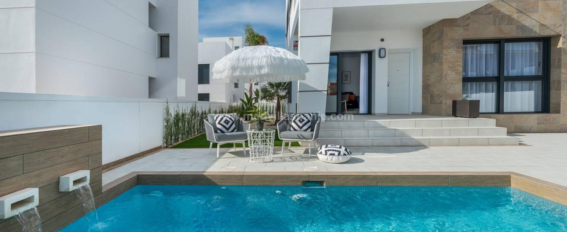 Modern villa on the Costa Blanca South, Spain in Medvilla Spanje