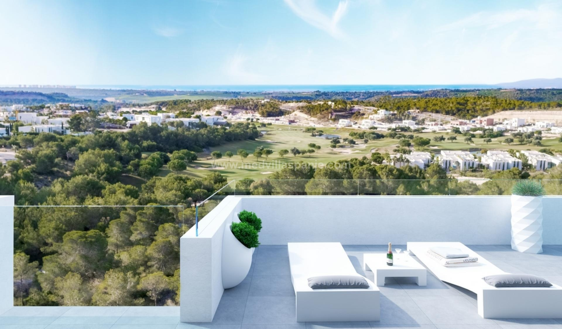 Apartment for sale in Las Colinas Golf, Campoamor in Medvilla Spanje
