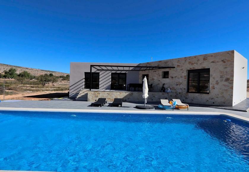 Hyper modern Spanish villa for sale in La Romana in Medvilla Spanje