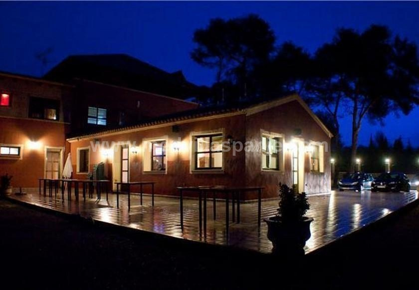 Rural hotel between mountains and beach in Medvilla Spanje