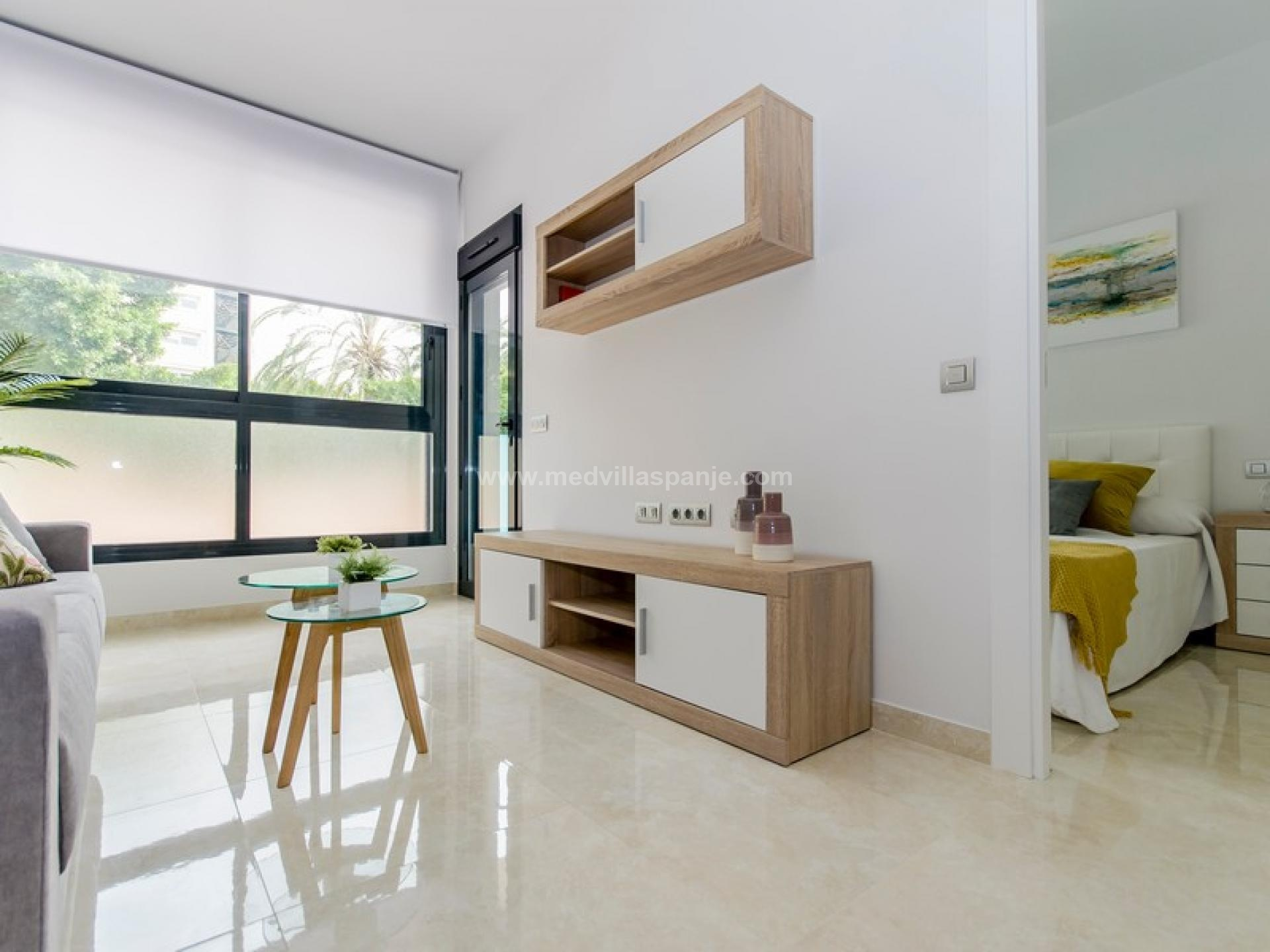 2 bedroom Apartment with terrace in Torrevieja - New build in Medvilla Spanje
