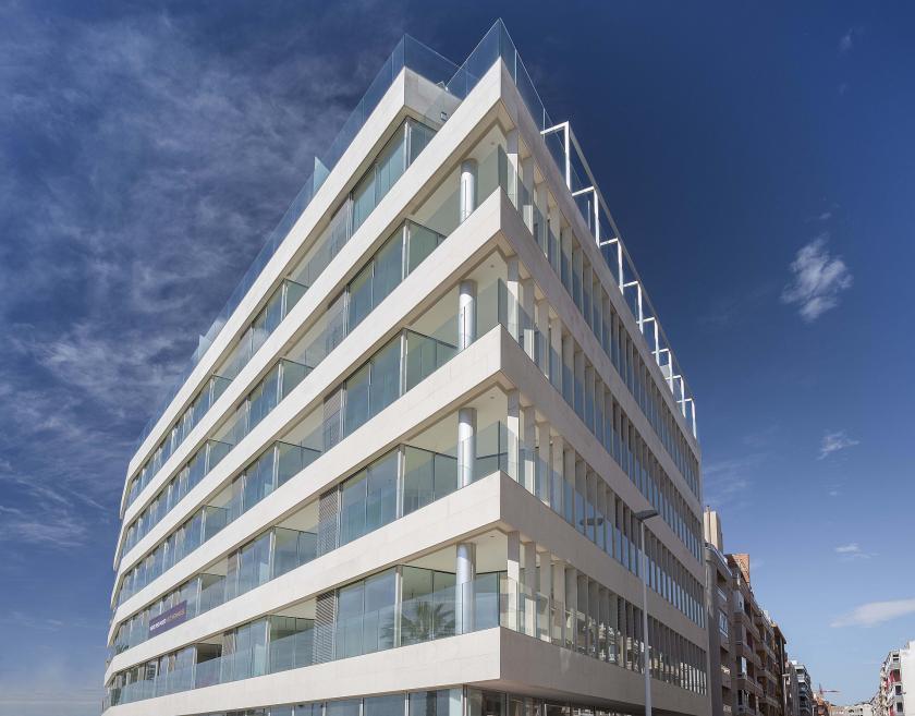 First-line apartments in Torrevieja in Medvilla Spanje