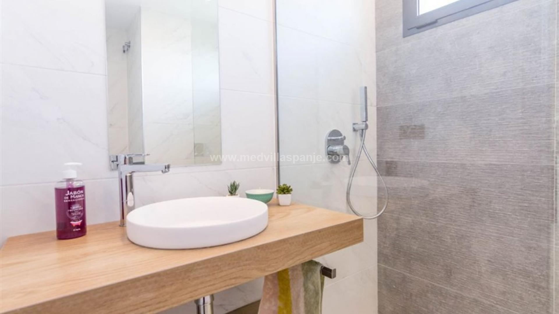 For sale apartments Oasis Beach XIV: new phase in Medvilla Spanje
