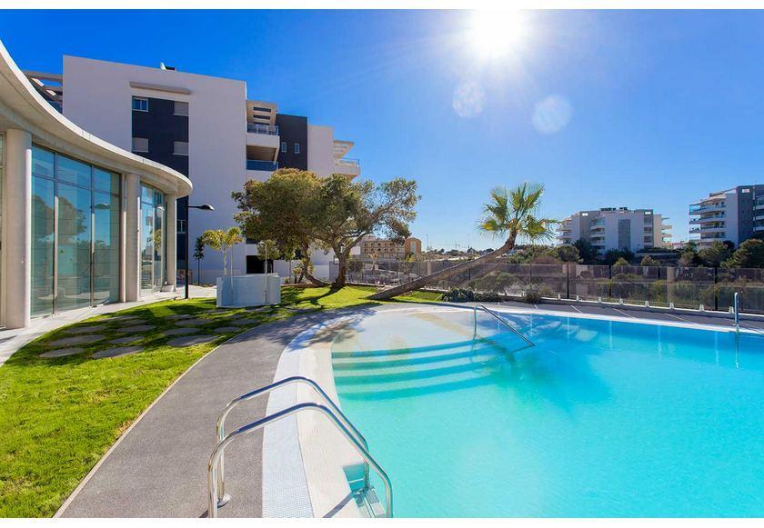 3 bedroom Apartment with terrace in La Zenia in Medvilla Spanje