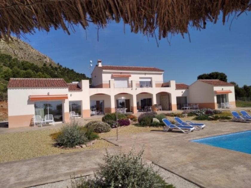 6 bedroom Villa in Alicante in Medvilla Spanje