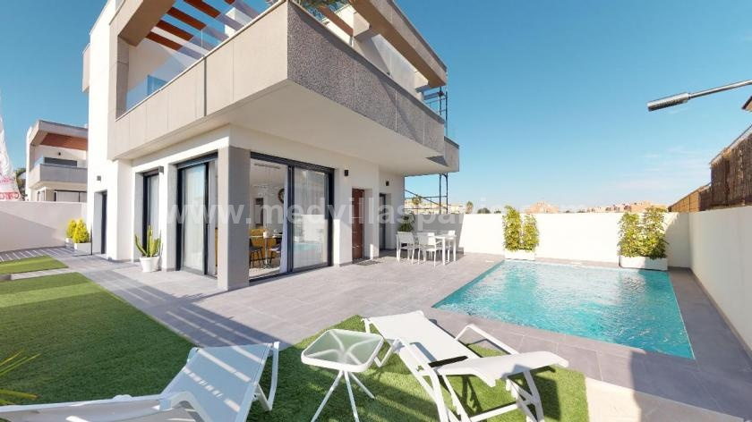 Modern villas with pool in Los Montesinos, La Herrada in Medvilla Spanje