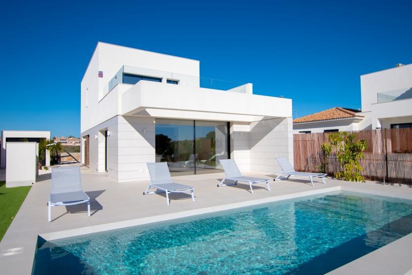 Single new villa in Los Montesinos in Medvilla Spanje