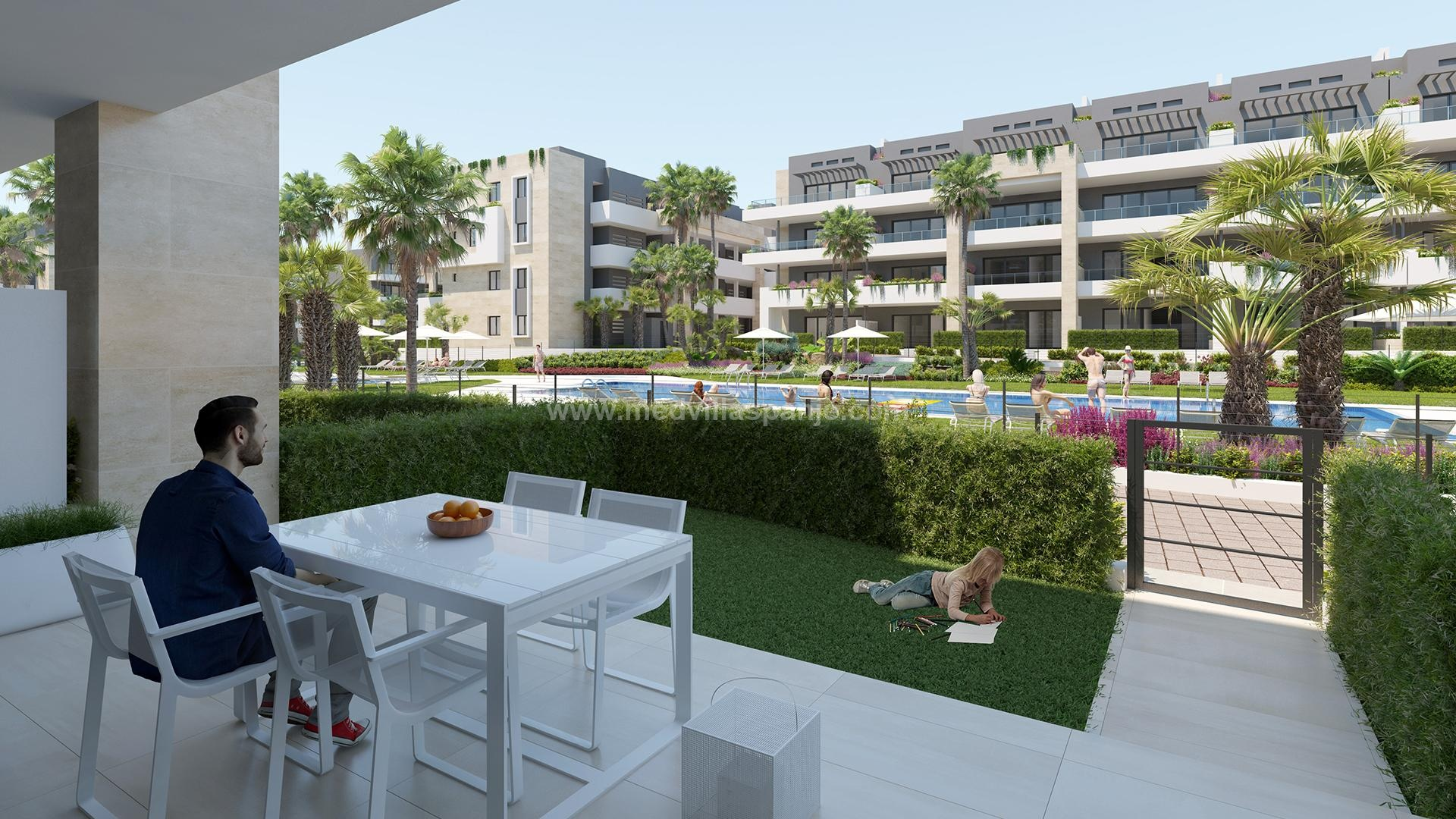Apartments at 500m from the beach in Playa Flamenca, Orihuela in Medvilla Spanje