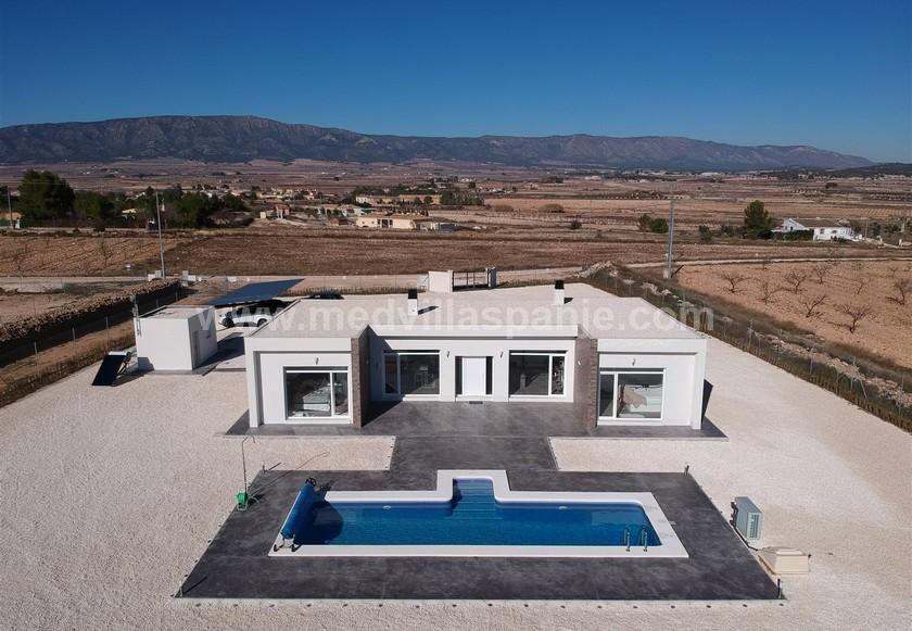 Modern New Build Villa near Pinoso, Alicante in Medvilla Spanje