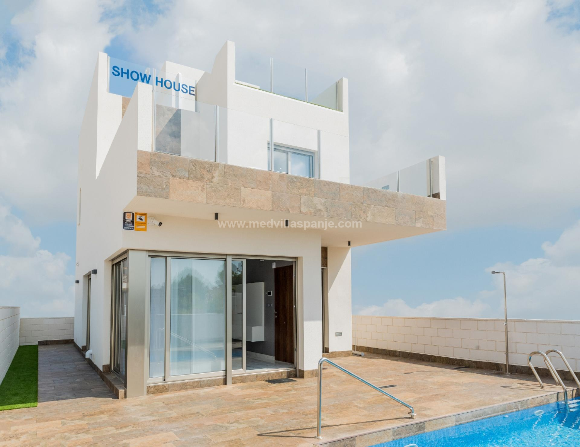 Villa with 3 bedrooms and private pool in Villamartin in Medvilla Spanje