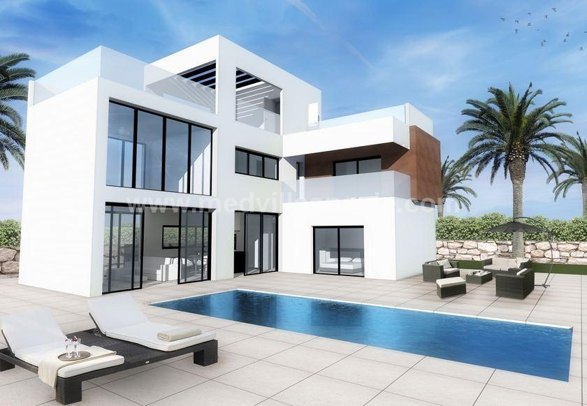 Detached property in finestrat - Benidorm for sale in Medvilla Spanje