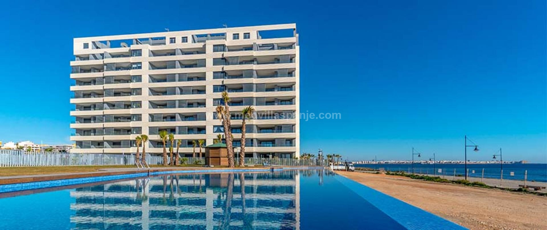 Apartment with sea view in Orihuela Costa, Spain in Medvilla Spanje