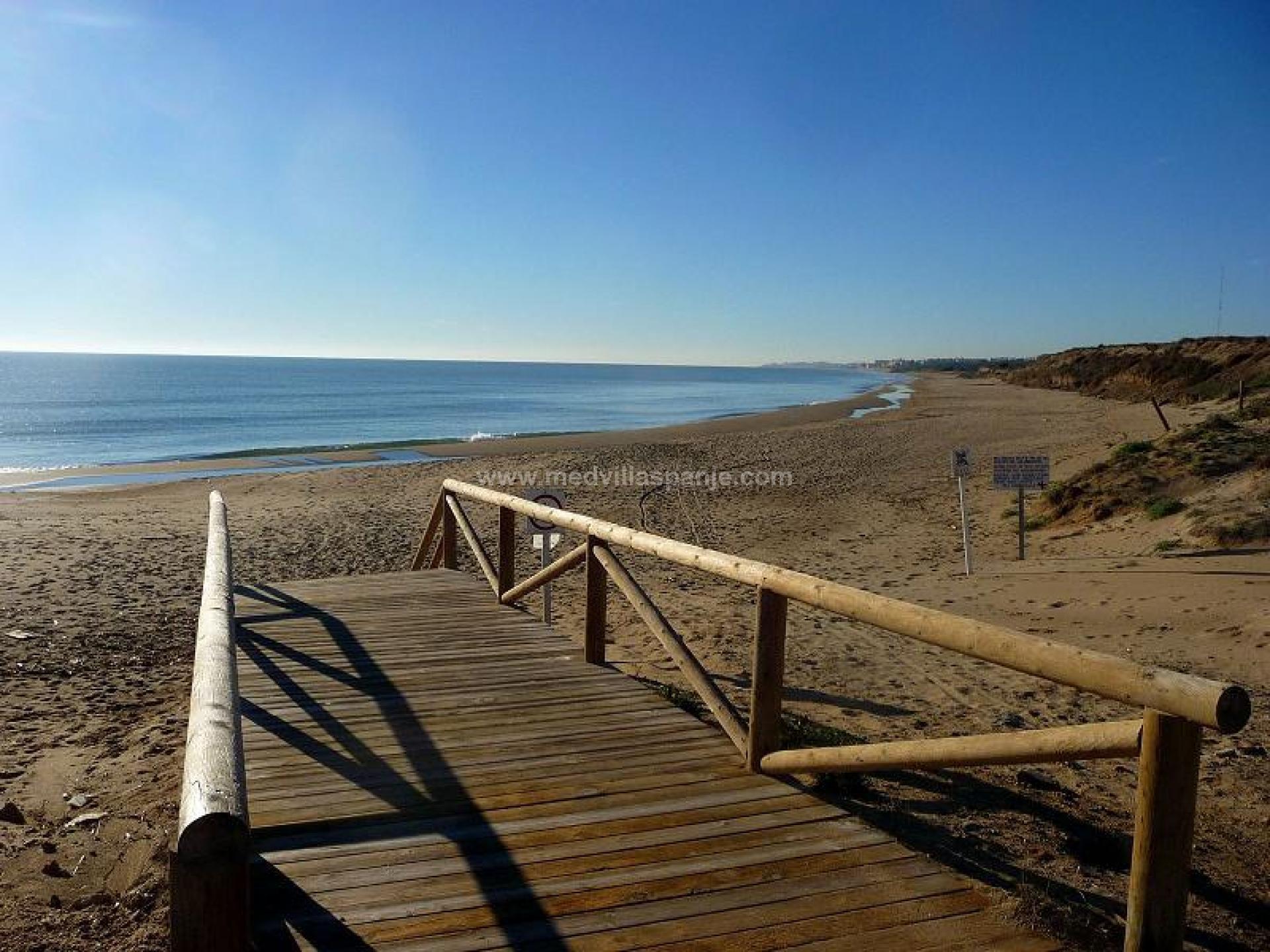 3 bedroom Villa in Guardamar - New build in Medvilla Spanje